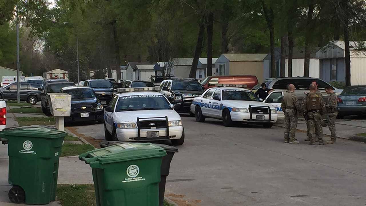 SWAT standoff in NE Houston
