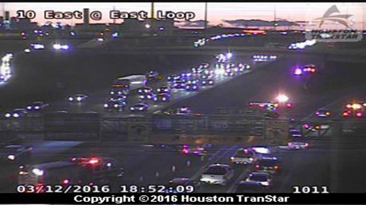 Mainlanes closed on IH-10 East westbound at East Loop