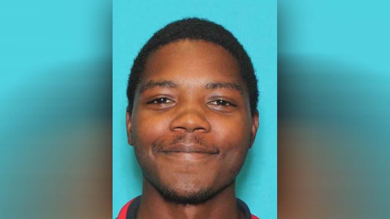 Murder suspect charged and wanted in SE shooting