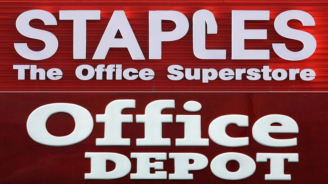 Staples/Office Depot signage