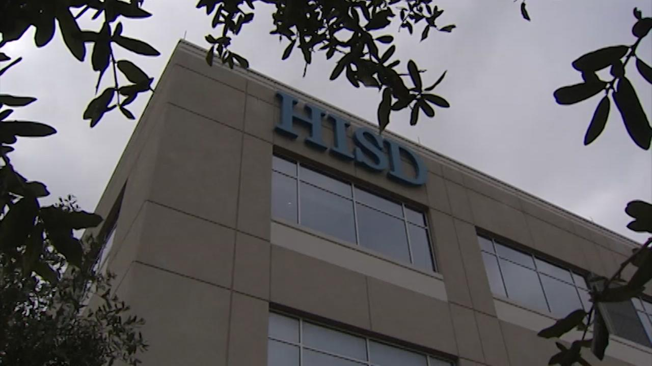 Embattled HISD watchdog to sue district
