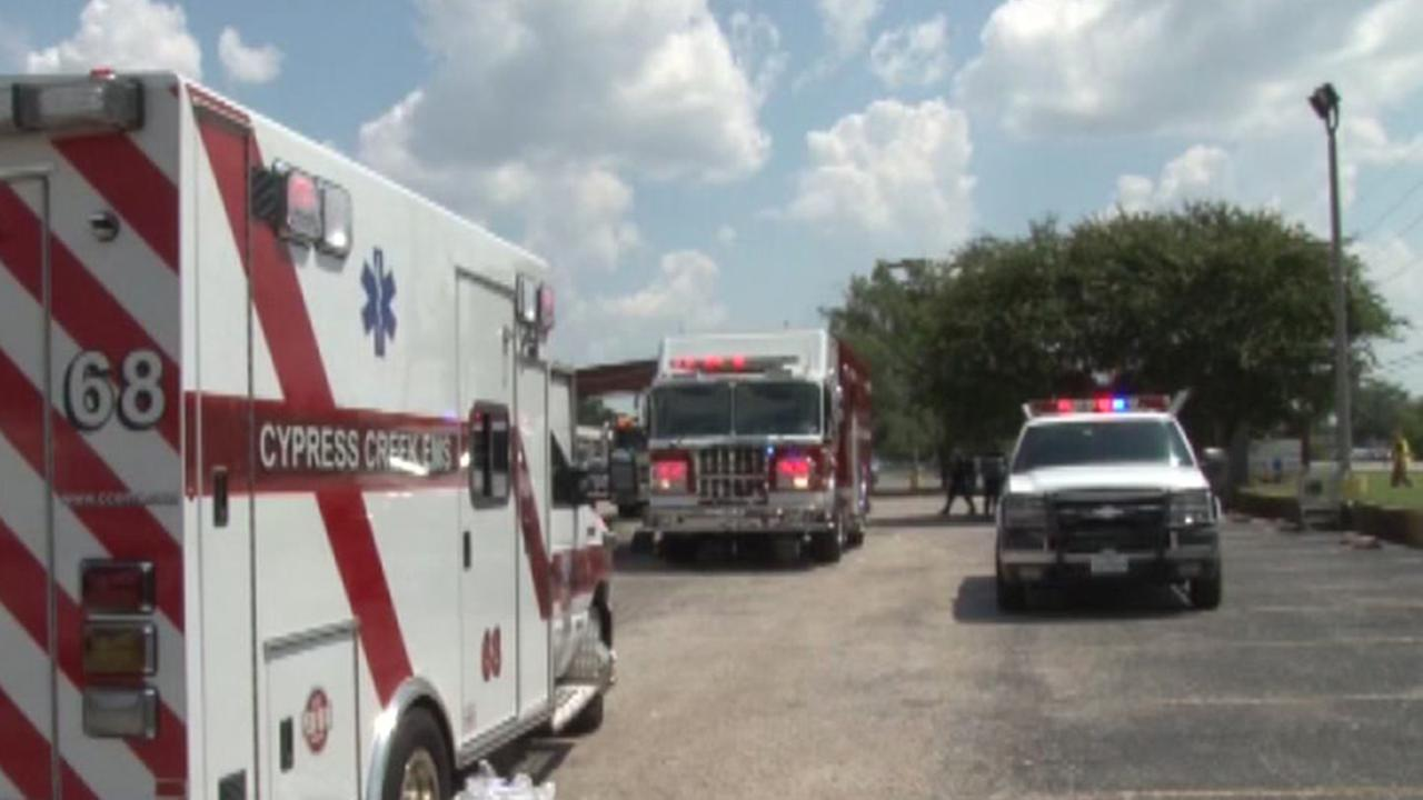 Gas leak forces evacuation along Veterans Memorial.