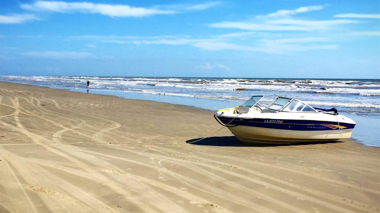 Abandoned Boat Drifts 200 Miles To Galveston After Stranding Boaters Near Louisiana Abc13
