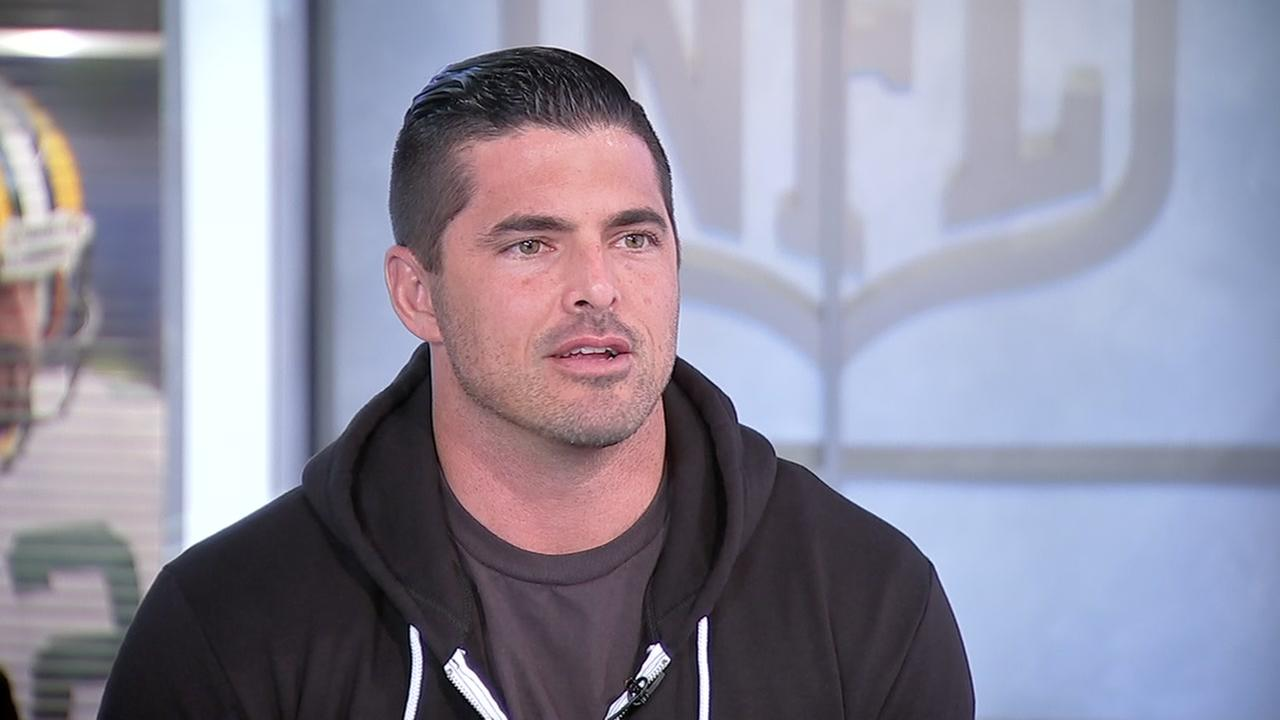 Former Texan David Carr finding success in TV, high school coaching