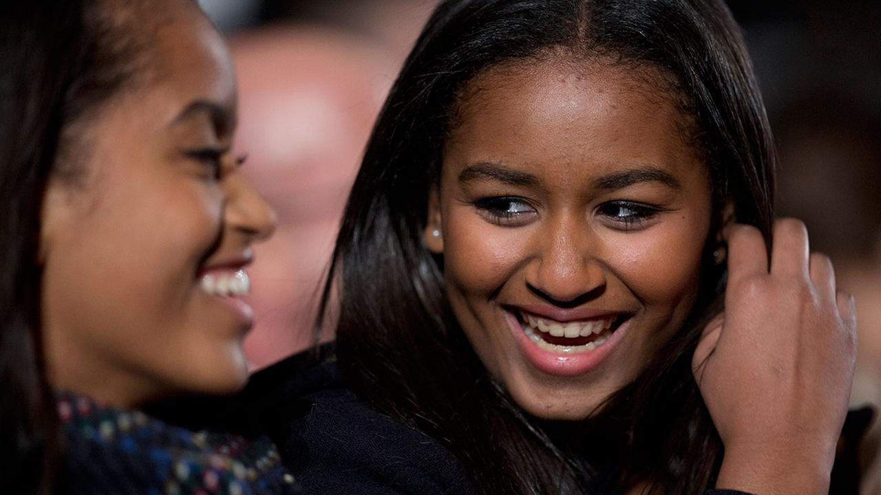 Sasha Obama misses fathers farewell speech in Chicago