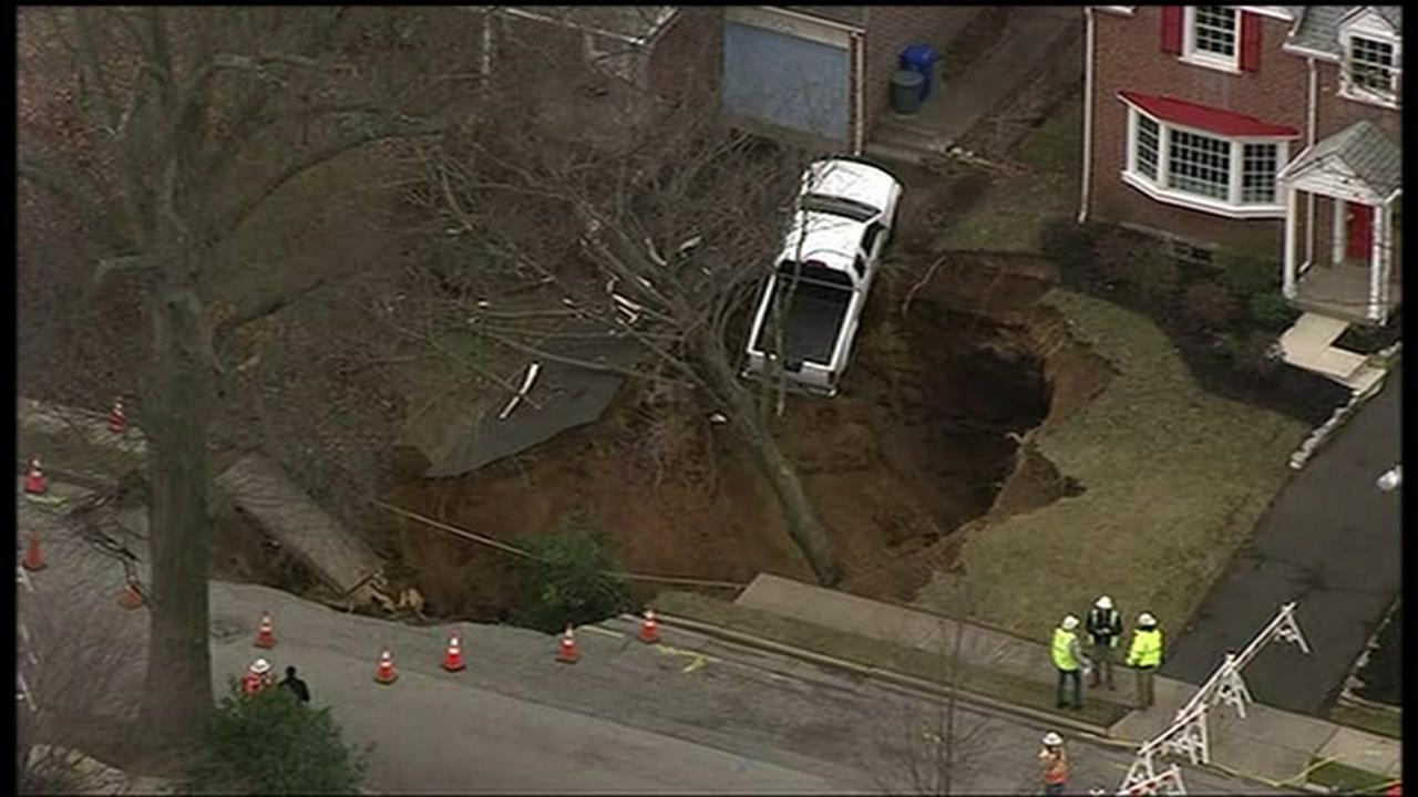 Residents flee as sinkhole opens up in Pennsylvania