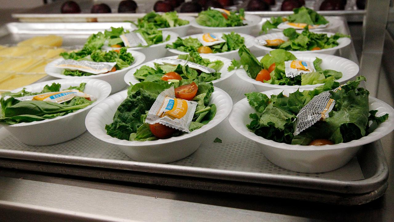 Texas couple walks into school and pays off all student lunch balances