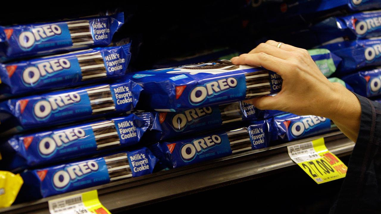 High school football players suspended for naked 'Oreo run'