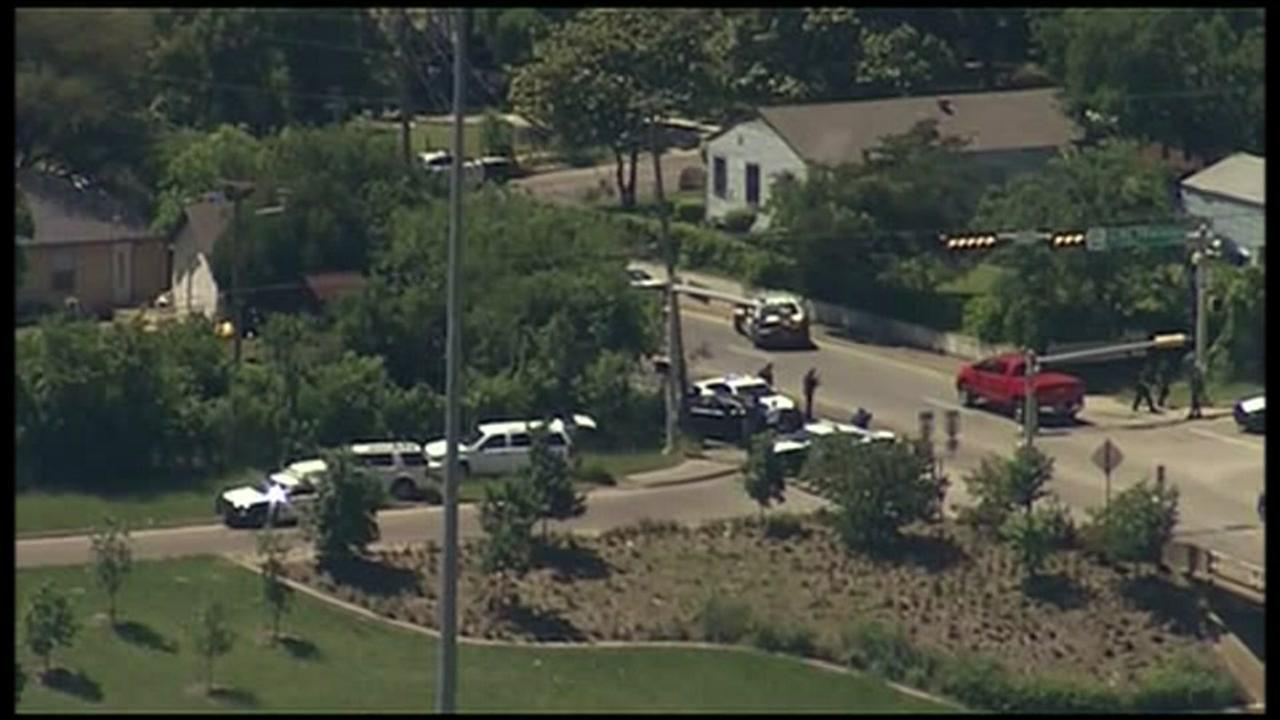 Dallas mayor: 2 bodies found in home, including suspected paramedic shooter