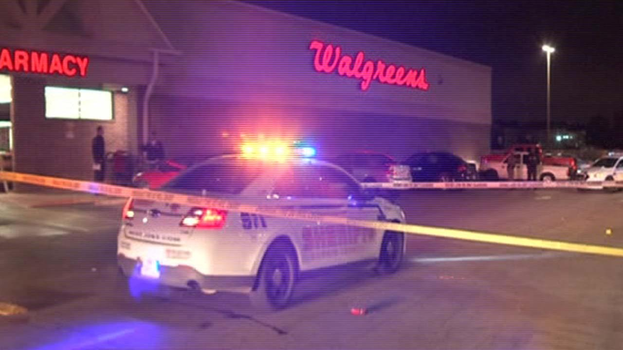 Teen shot in head in Walgreens parking lot