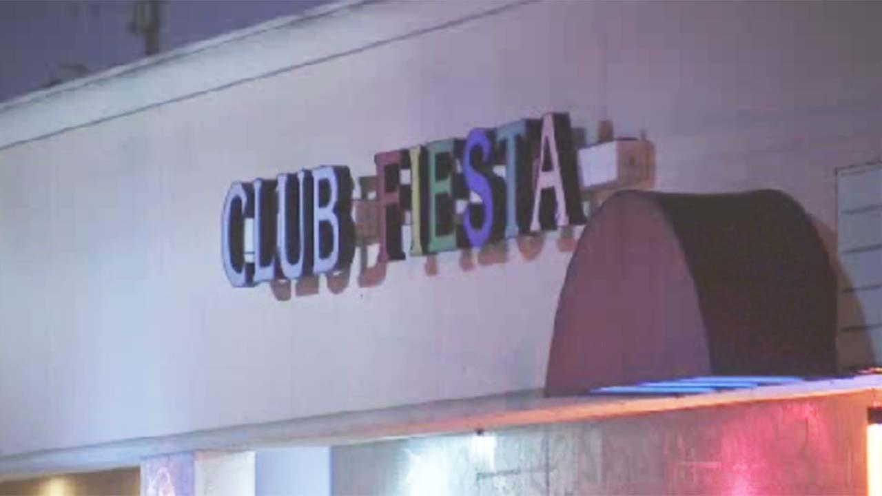 3 shot at southeast Houston nightclub; shooter still on the run