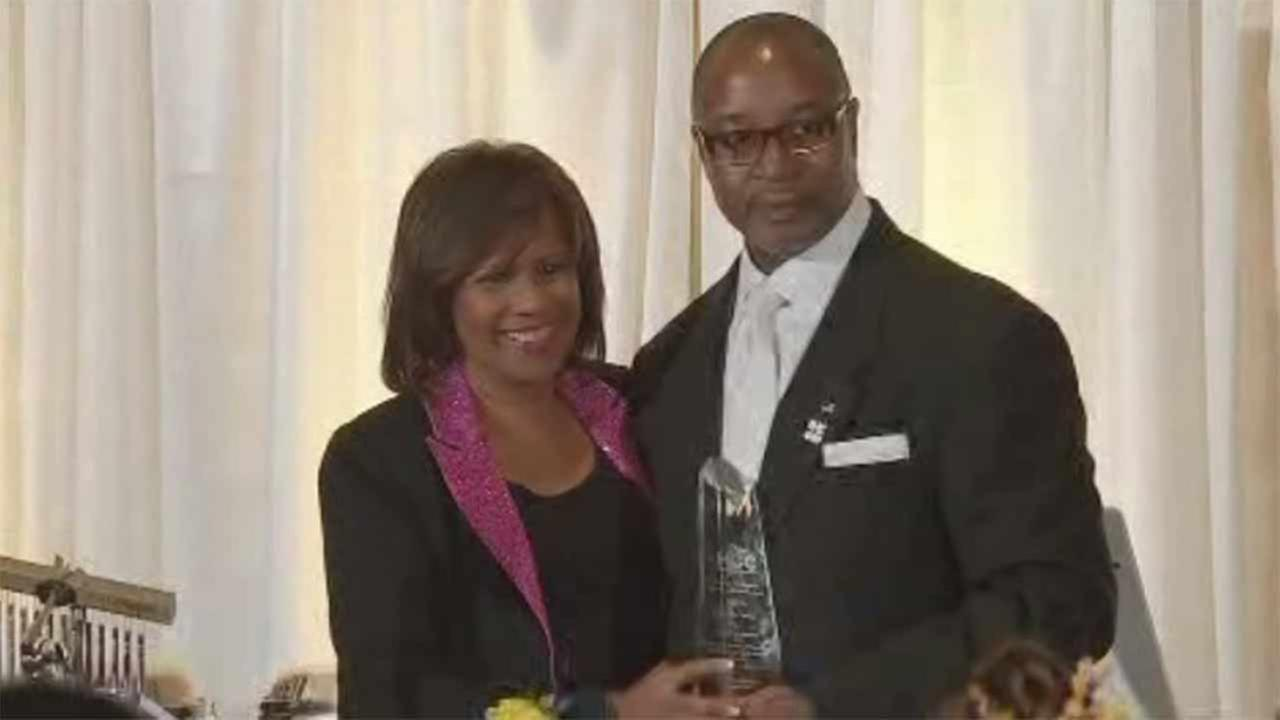 ABC-13 anchor Melanie Lawson receives Lifetime Award from HCC