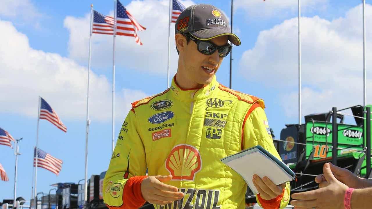 Joey Logano gets first career Daytona 500 win under caution