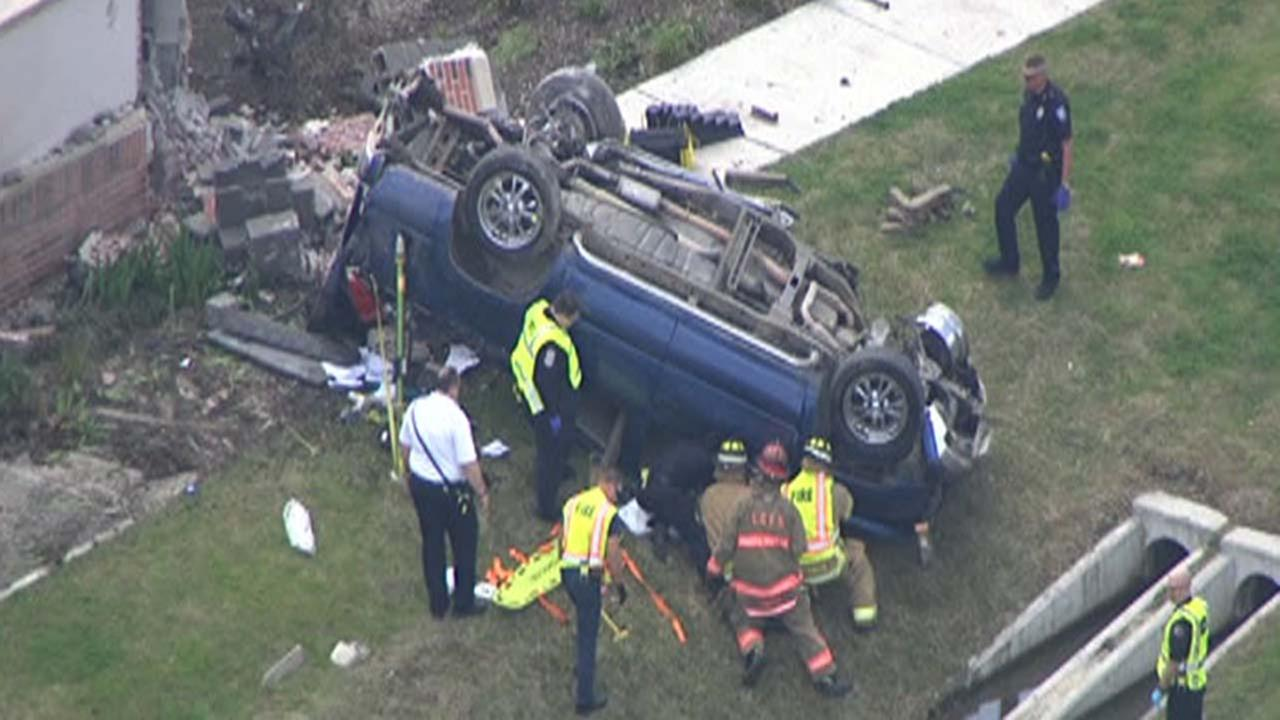 Rollover crash in Pearland; 1 pulled from wreckage
