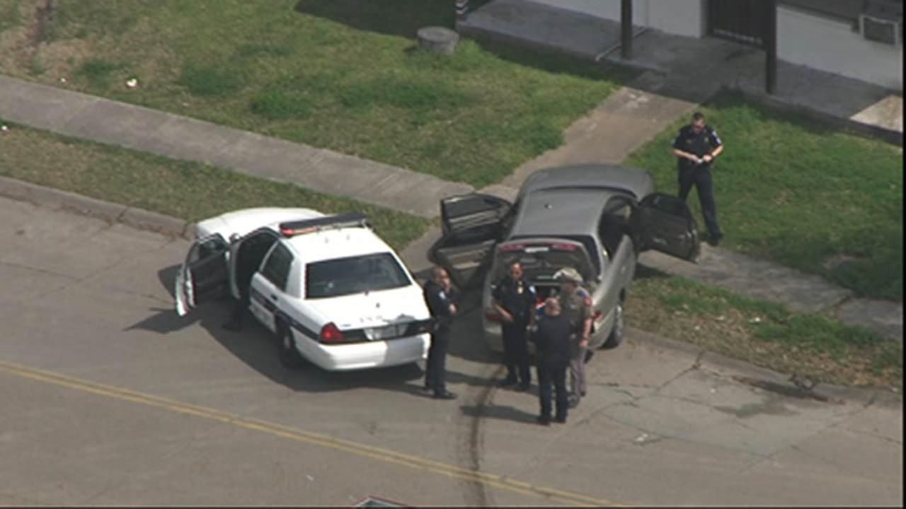 Alleged shoplifting suspect leads police on chase