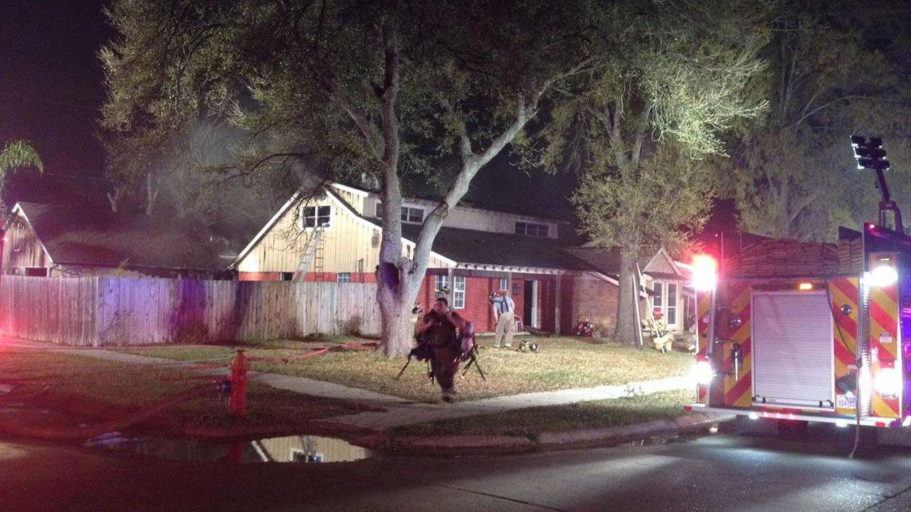 Two-alarm fire in Pasadena destroys family's home