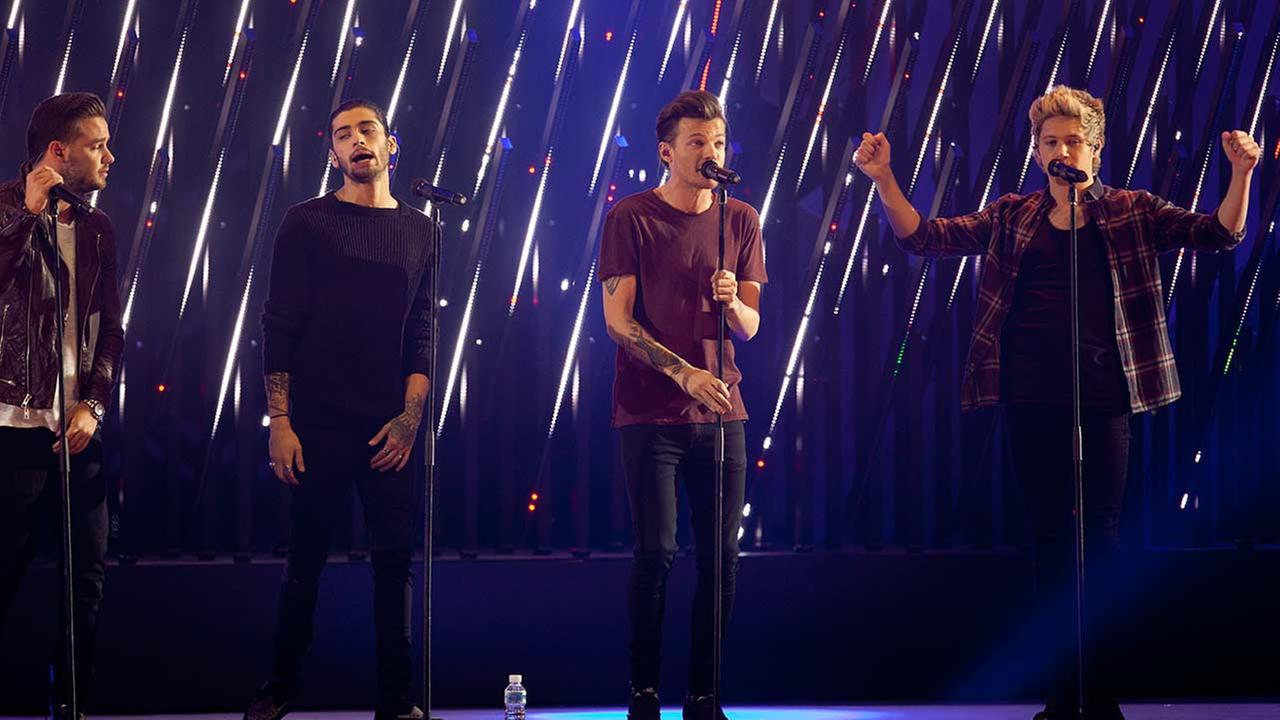 Liam Payne, Zayn Malik, Louis Tomlinson and Niall Horan components from the British band One Direction perform on stage during the ceremony of the 40 Principales Awards 2014