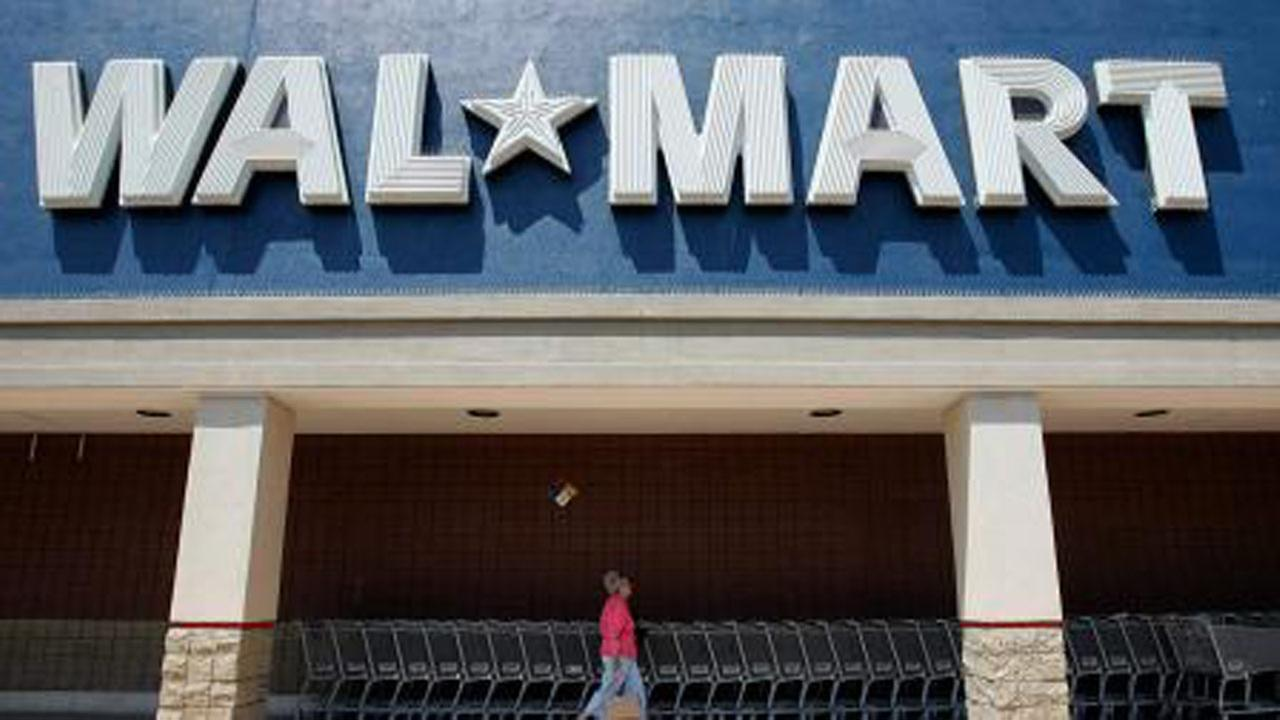Wal-Mart removing Confederate flag items from stores, online