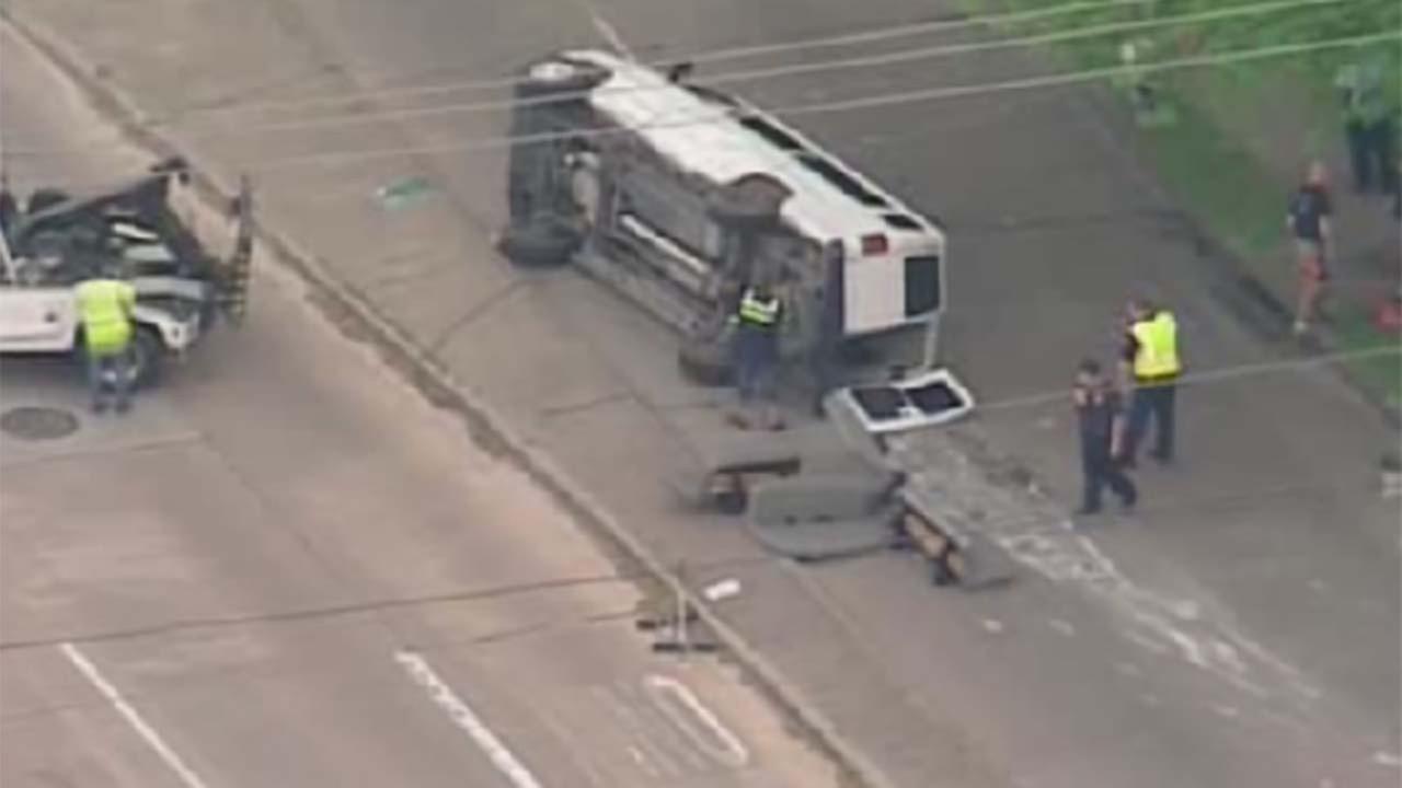 13 hurt in van rollover accident in northwest Houston