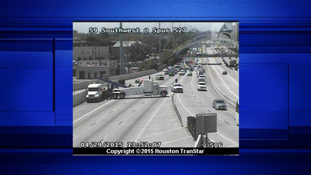 Big rig accident causes big delays on SW Freeway at Spur 527