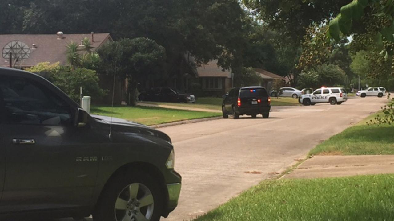 Baytown SWAT standoff over, suspect in police custody