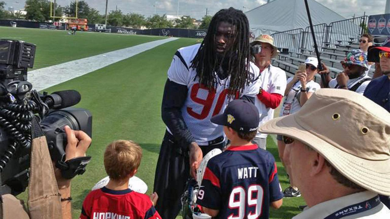 Jadeveon Clowney back at practice