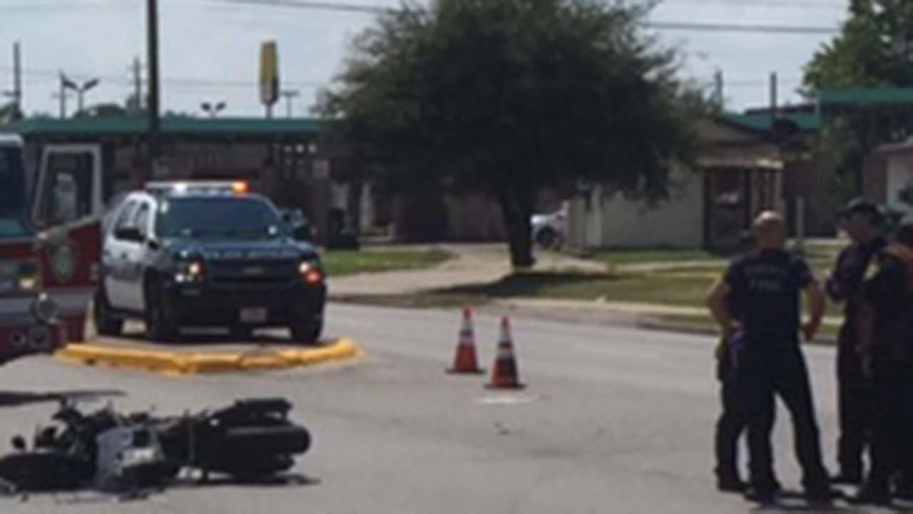 1 dead in motorcycle wreck on Houston's south side