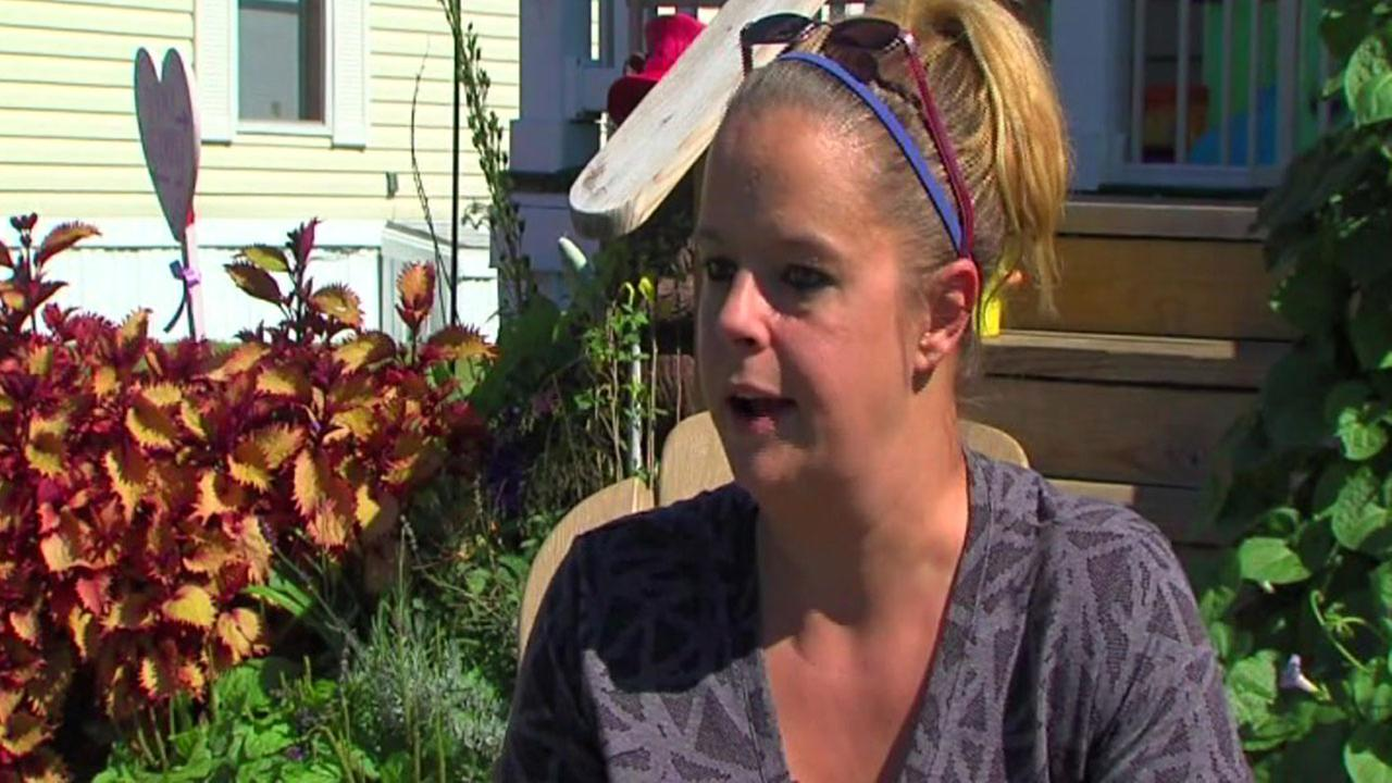 Michigan mom kills donut store bullies with kindness