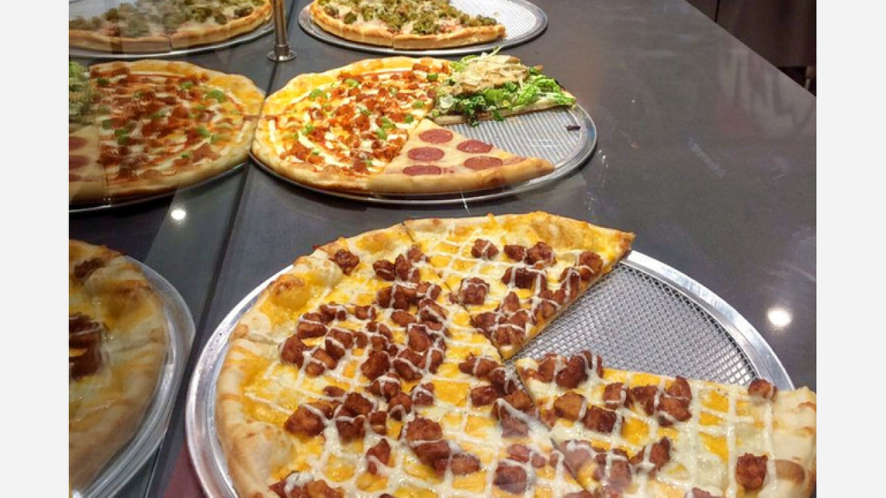 'Empire Pizza' Brings Pizza, Sandwiches And More To Westchase