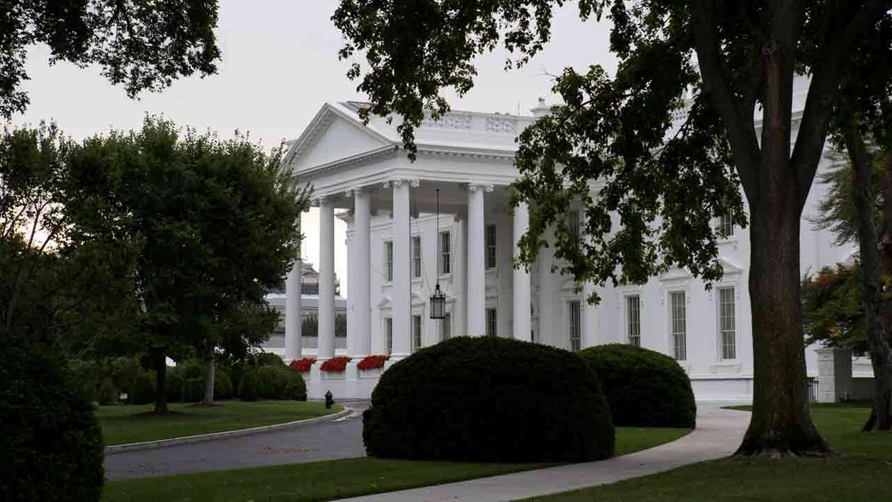 Letter sent to White House tests tentatively for cyanide
