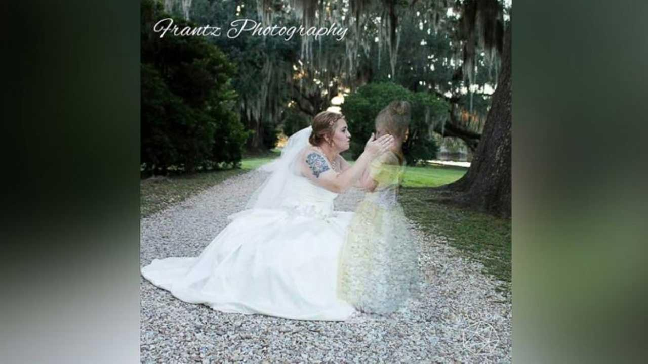 Grieving mother honors late daughter in wedding photo