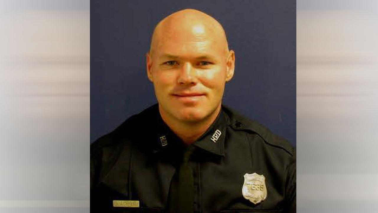 HPD officer dies after collapsing at west Houston substation