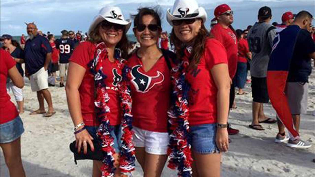 Big Texans watch party in northwest Harris County