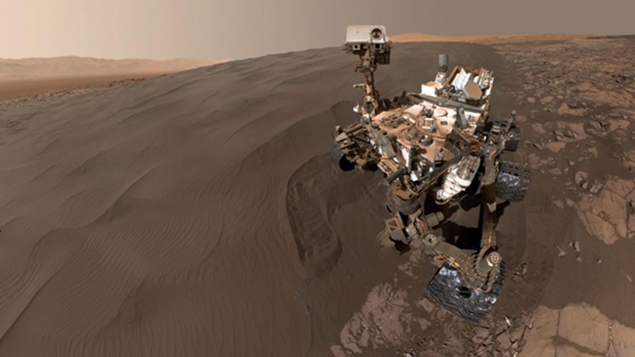 Mars rover selfie