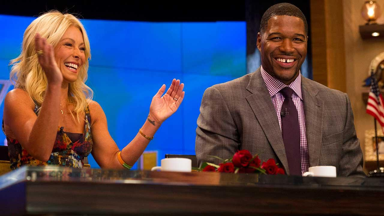 Kelly Ripa returns to air Tuesday, first show since Strahan announcement
