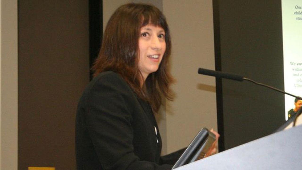 Dr. Elizabeth Fagen