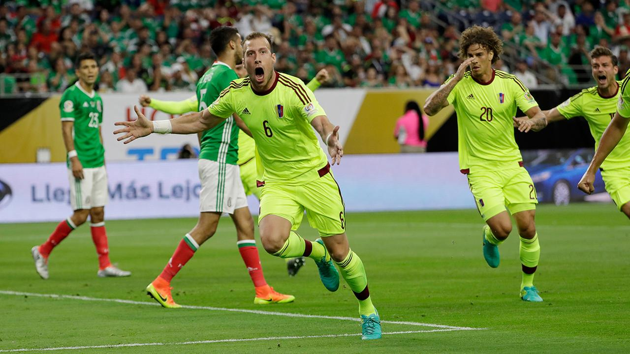 Mexico draw with Venezuela gives El Tri 1st in Group C