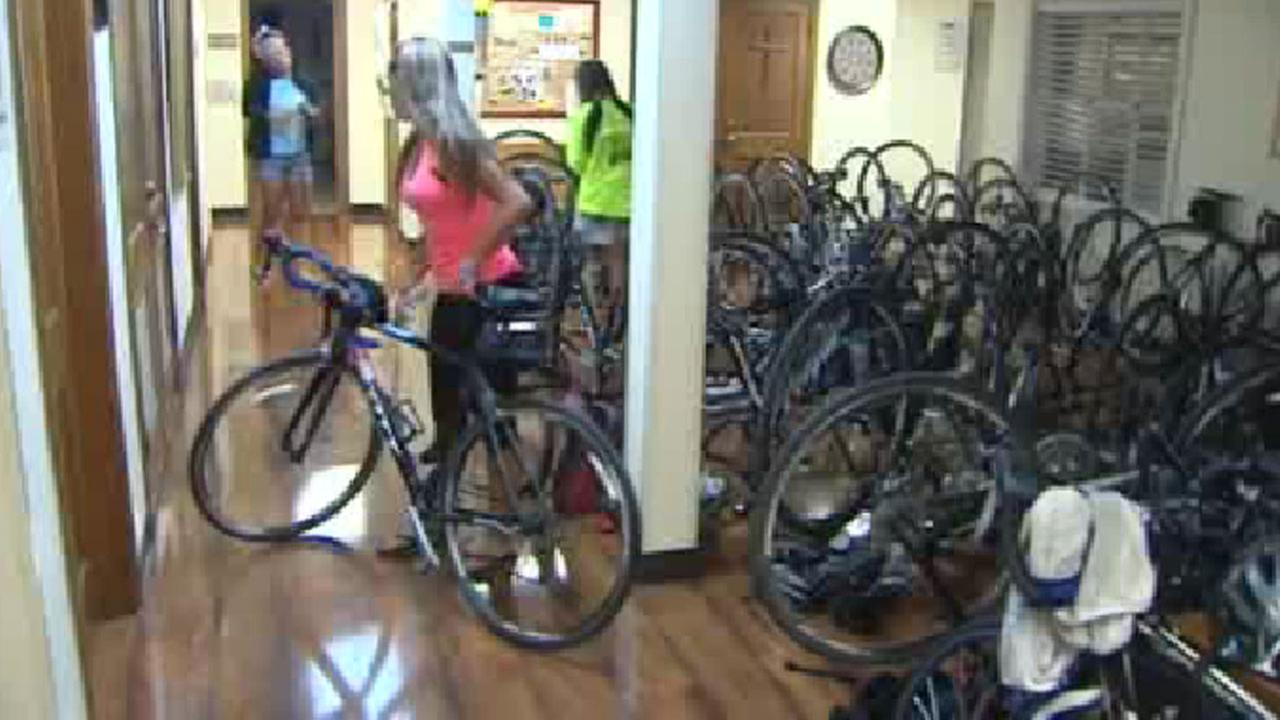 College students bike ride to raise money for cancer fund