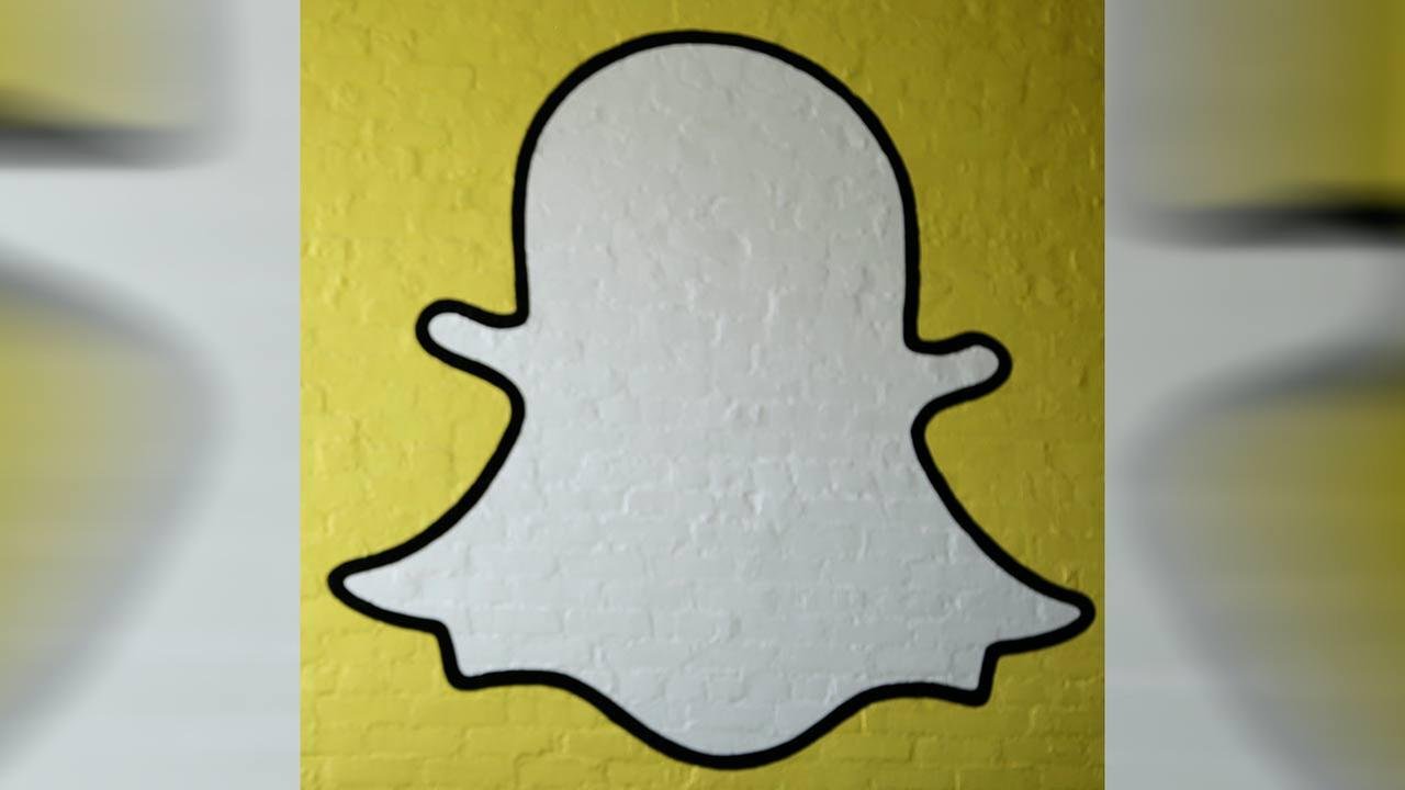 Hackers claim to have 100,000 nude Snapchat photos to leak