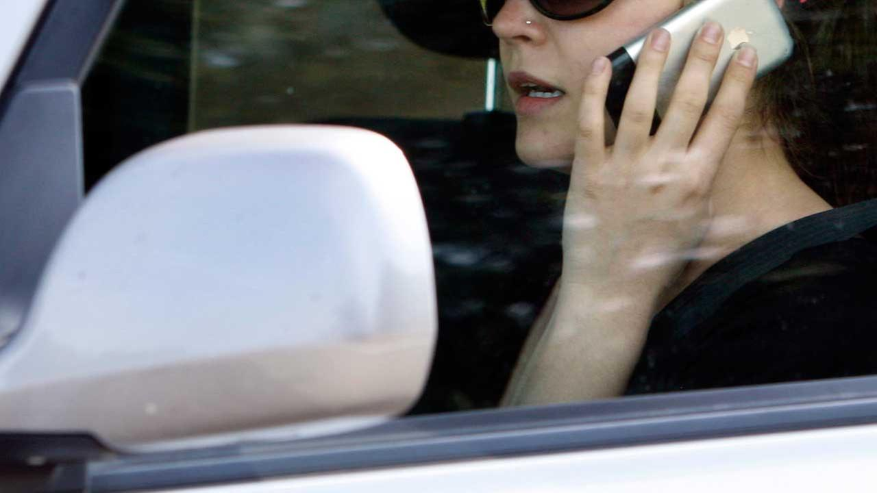 Cell phone use while driving now illegal in two major Texas cities