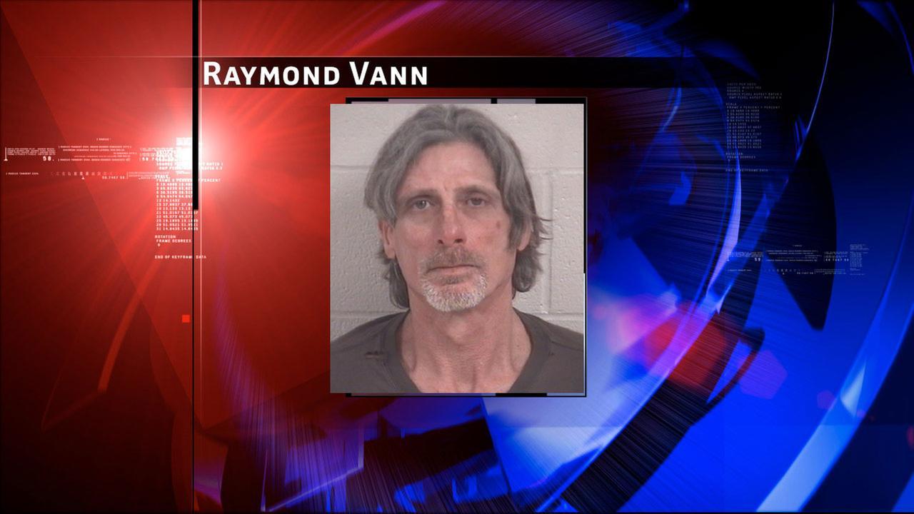 Galveston PD: Man assaults girlfriend, threatens to harm responding officers