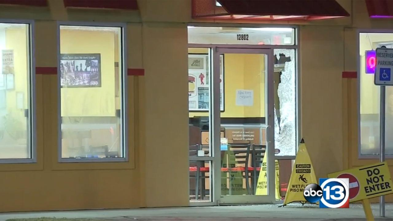 Retired deputy shot during shootout with robber at fast food restaurant