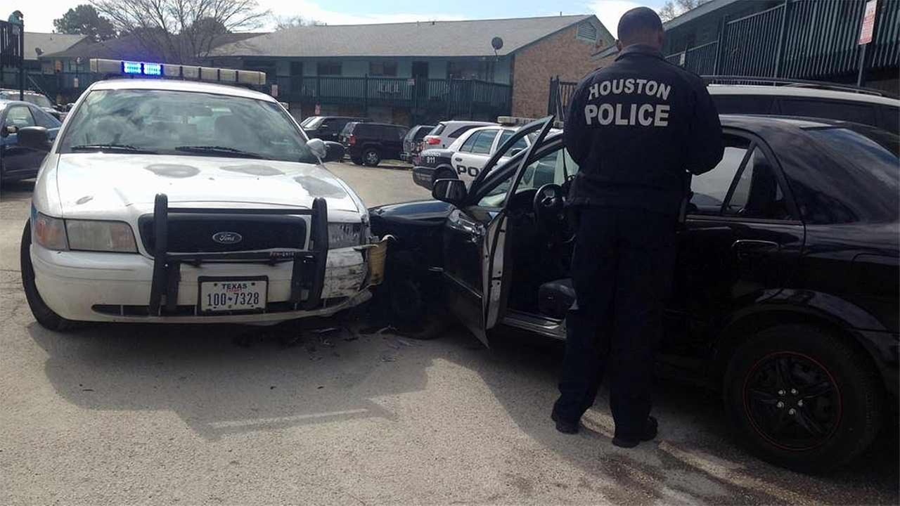 Patrol car rammed by burglary suspect during attempted getaway