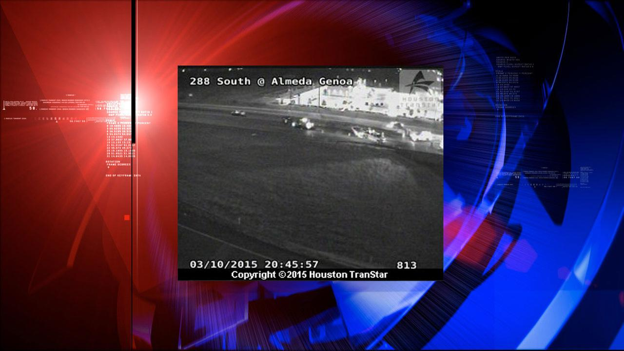 Wrecks cause total closure of busy Highway 288 at Almeda Genoa