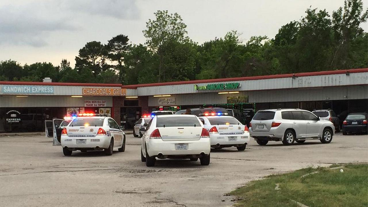One killed in shooting outside wig store in north Harris County