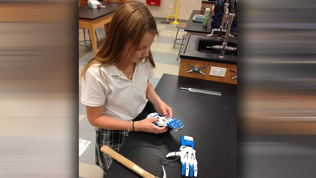 Students use 3D printer to create prosthetic hand for little girl