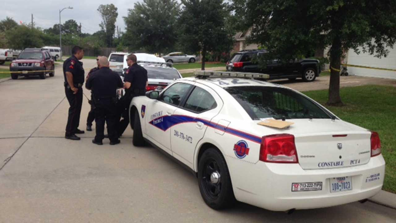 Police investigating shooting scene in Spring