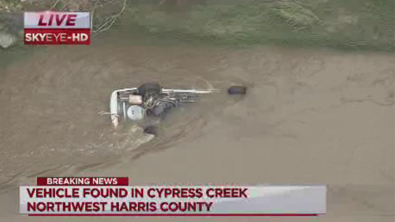 Car found submerged in Cypress Creek