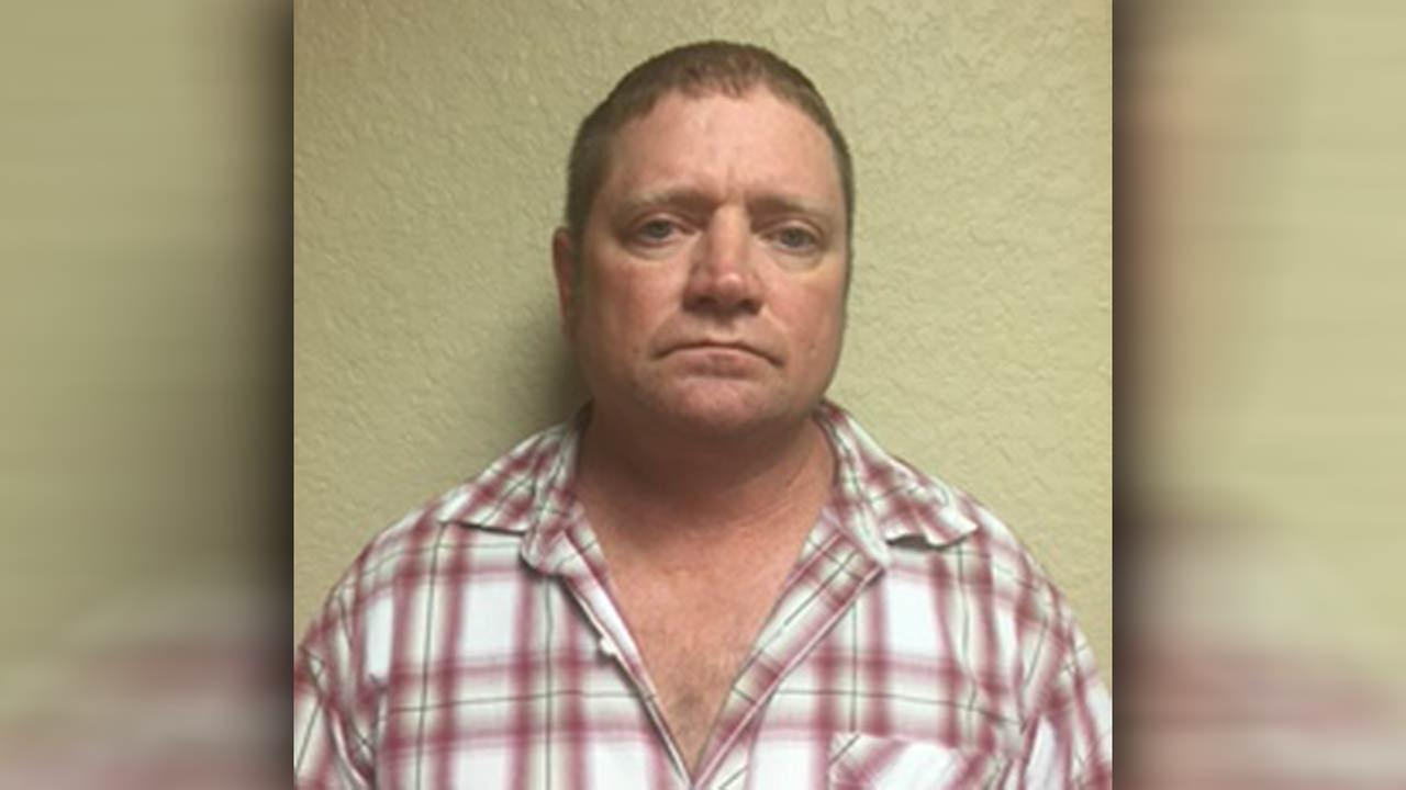 Man accused of exposing himself to girl at Buc-ee's in Freeport