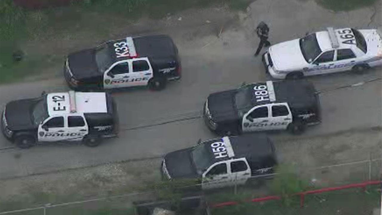 East Houston SWAT scene ends with arrest of second robbery suspect
